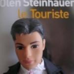 Ken Le Touriste et son livre-miroir...Un polar, chic!