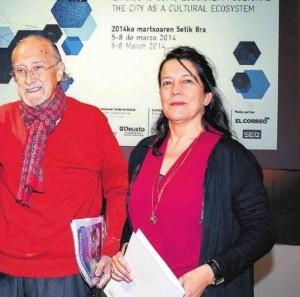 le maire de Bilbao, Inaki Azkuna avec Lourdes Fernandez, directrice de l'Alhondiga