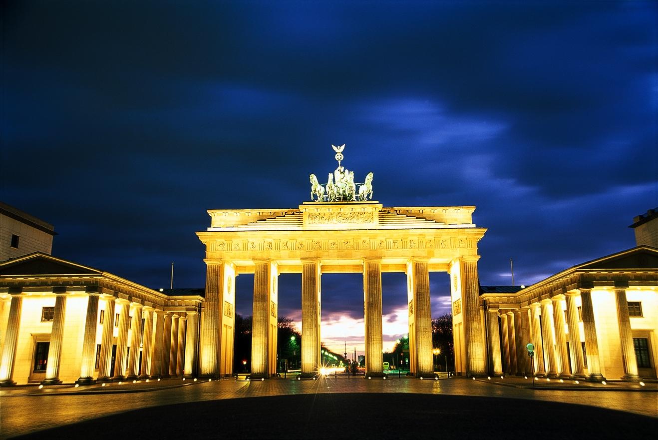 Berlin: Brandenburger Tor abends